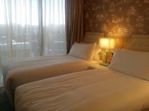 Hotel bed sheet contract laundry service Singapore